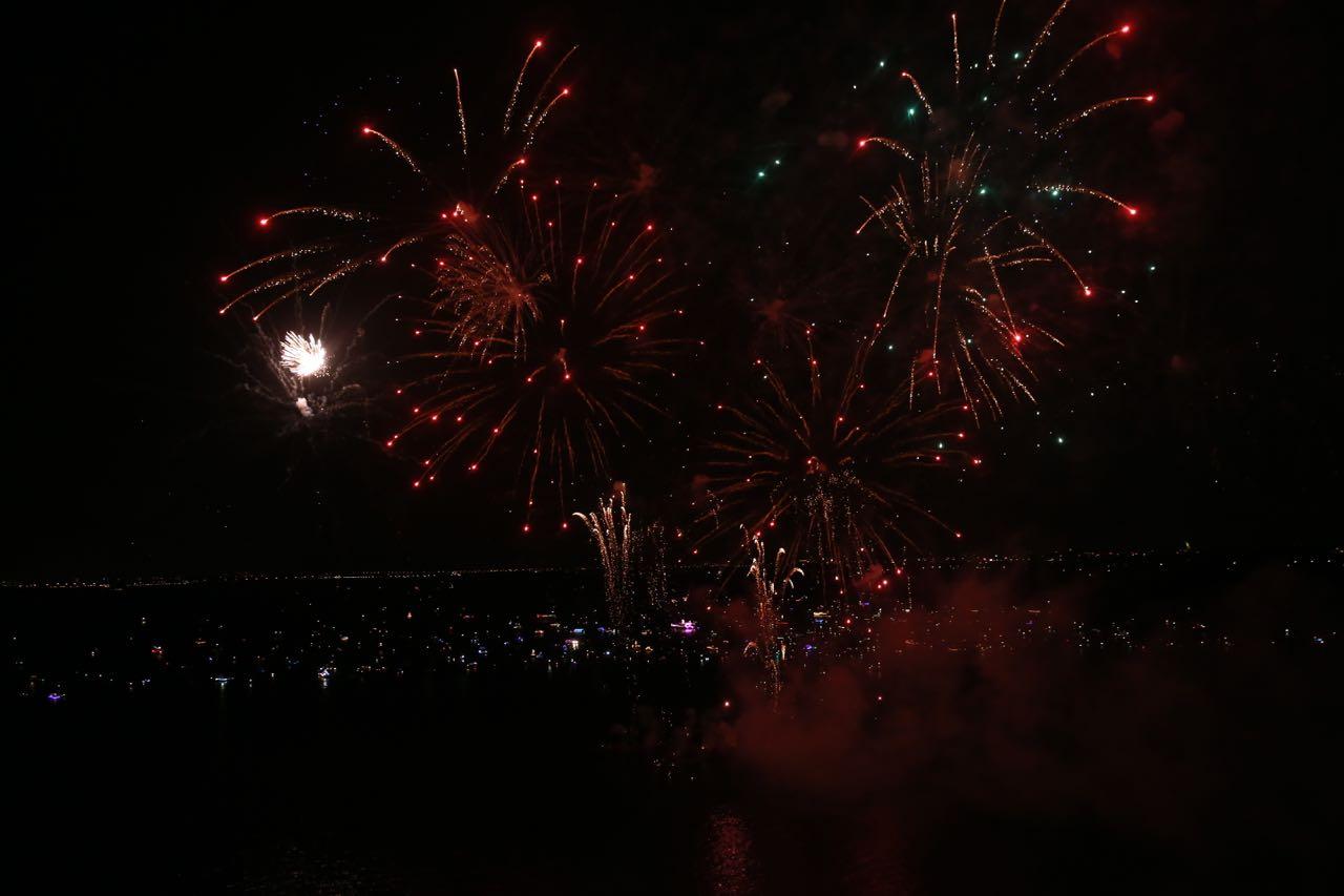 Vuur en Licht op het water - Vuurwerk 2016 © www.kicksfotos.nl