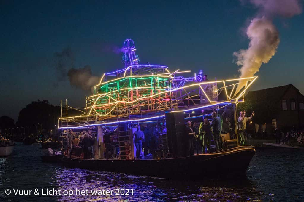 Winnaars verlichte botenshow - Grote boten
