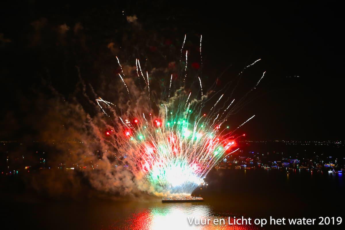 Vuurwerk 2019 - Vuur en Licht op het water